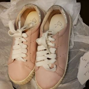 JUSTICE GIRLS PINK SNEAKERS SIZE 3